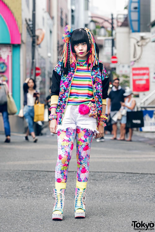 Berpenampilan Eksentrik Dengan Fashion Harajuku Penuh Warna